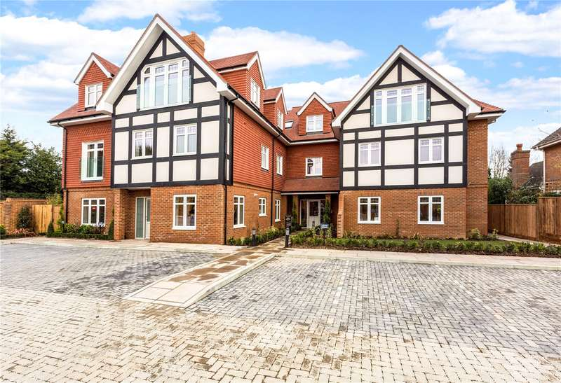 2 Bedrooms Flat for sale in Apartment 2, By The Green, Shoppenhangers Road, Maidenhead, Berkshire, SL6