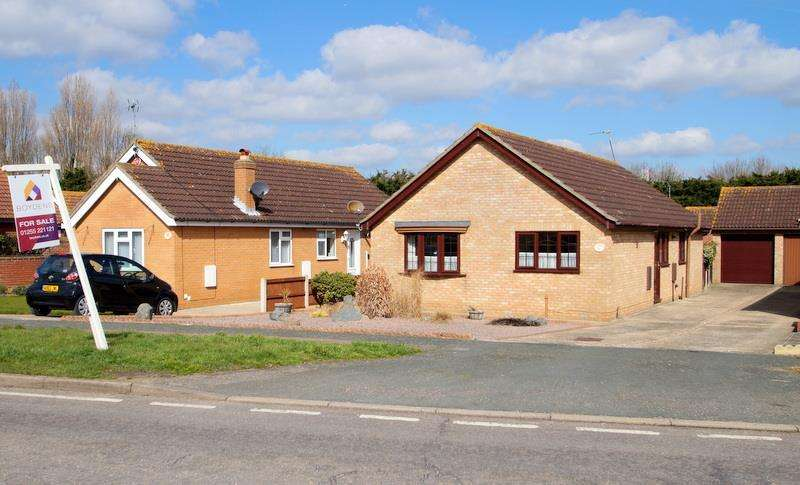 3 Bedrooms Bungalow for sale in EDGE OF CLACTON