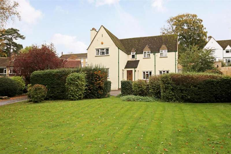 4 Bedrooms Detached House for sale in London Road, Stroud