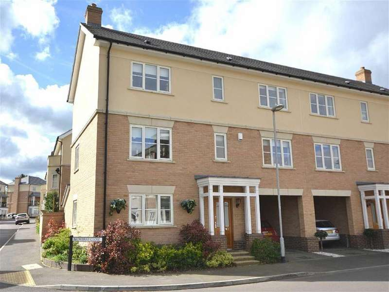 4 Bedrooms Semi Detached House for sale in Mowbray Close, Epping, Essex, CM16