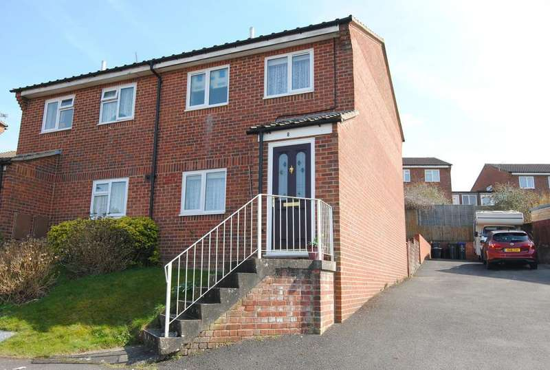 3 Bedrooms Semi Detached House for sale in Amesbury, Salisbury