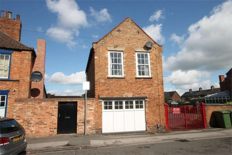 2 Bedrooms Detached House for sale in Victoria Street, Newark, Nottinghamshire. NG24 4UT