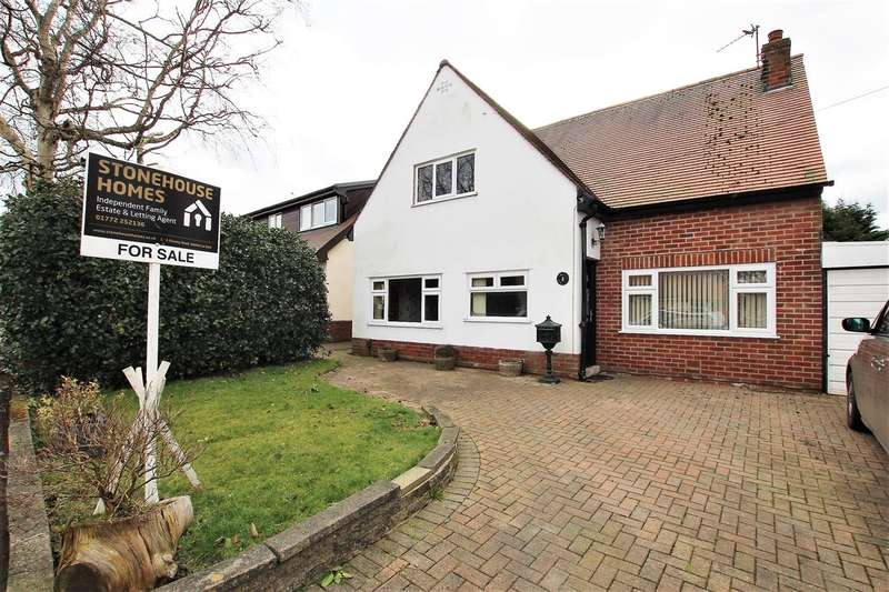 3 Bedrooms Detached House for sale in Lyndale Avenue, Lostock Hall, Preston