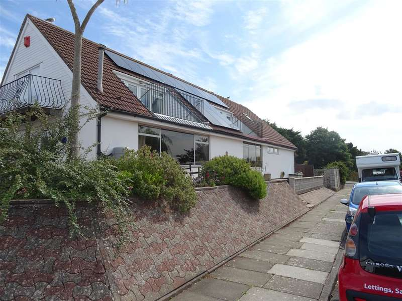 6 Bedrooms Detached House for sale in Lynmouth Drive, Sully