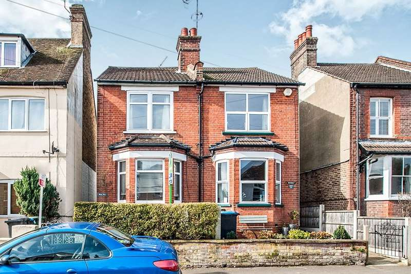 2 Bedrooms Semi Detached House for rent in Alexandra Road, Kings Langley, WD4