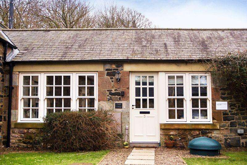 2 Bedrooms Barn Conversion Character Property for sale in Budle Sands, Near Bamburgh