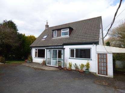 3 Bedrooms Bungalow for sale in Landrake, Saltash, Cornwall