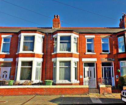 3 Bedrooms Terraced House for sale in Haldane Avenue, Claughton, CH41