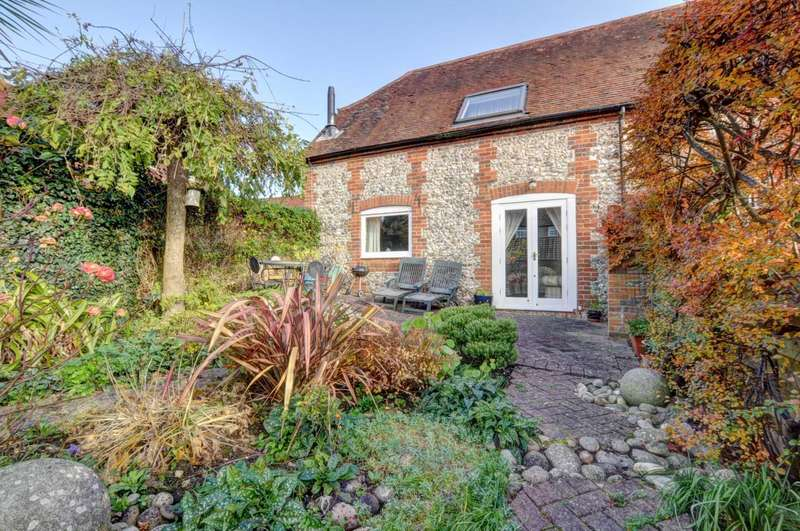 3 Bedrooms Barn Conversion Character Property for sale in Hill Farm Road, Marlow Bottom