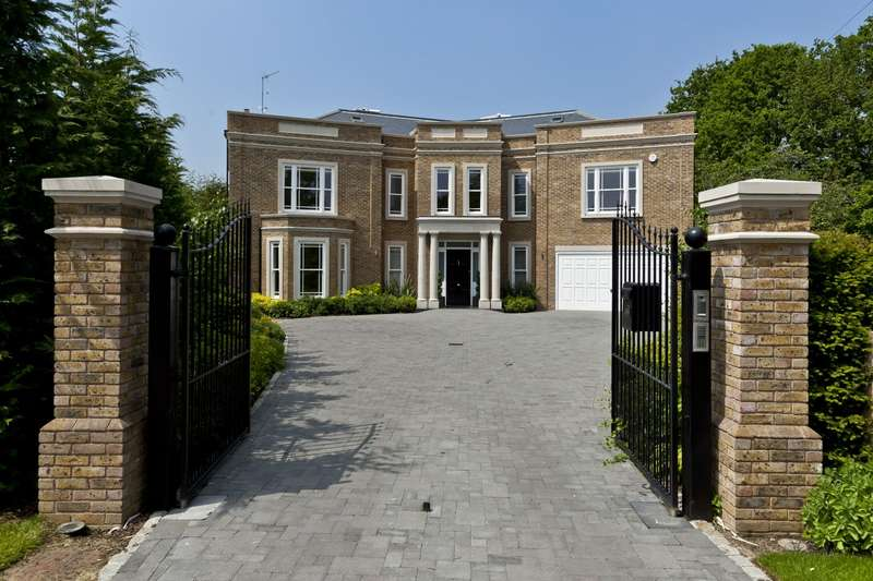 6 Bedrooms Detached House for sale in Ashley Park