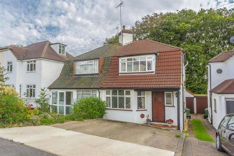 2 Bedrooms Semi Detached House for sale in Chipstead Way, Banstead