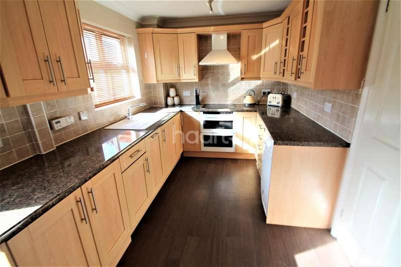 3 Bedrooms Detached House for rent in Marigold Way