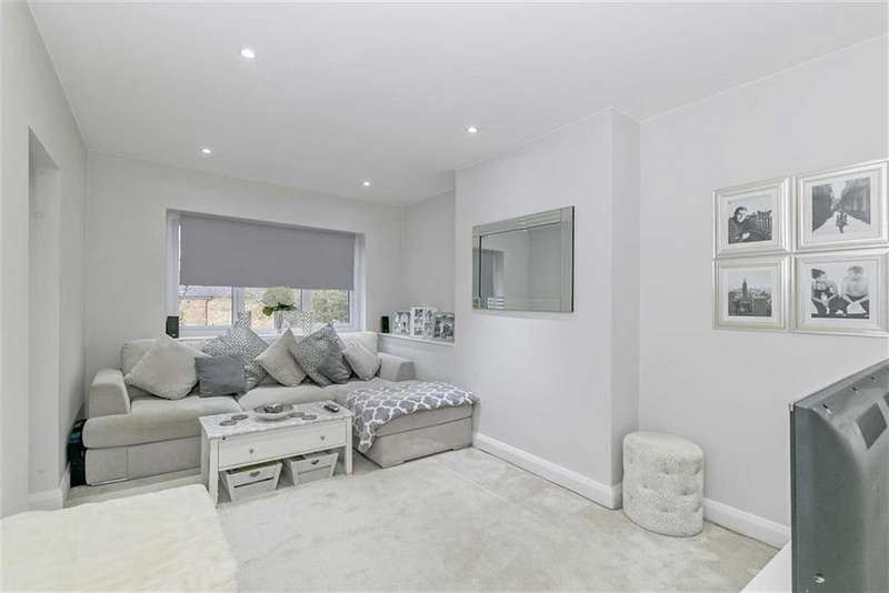 2 Bedrooms Maisonette Flat for sale in Lower Hill Road, Epsom, Surrey
