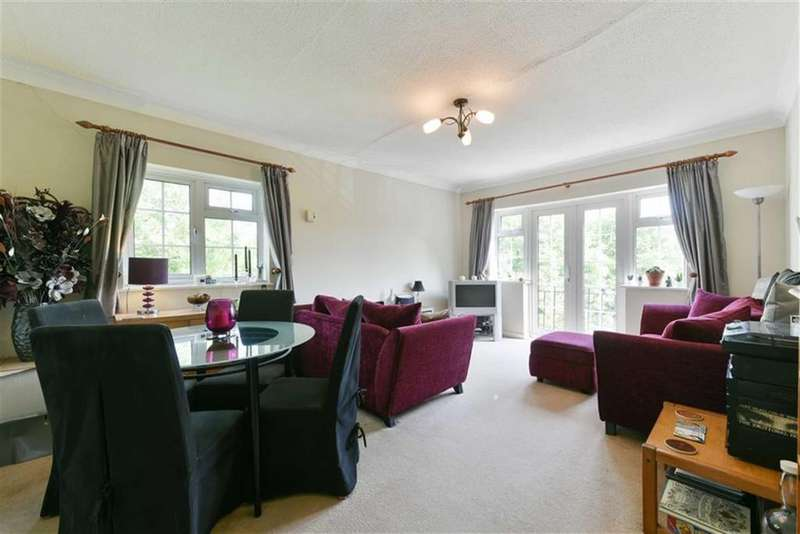 2 Bedrooms Flat for sale in Ebbisham Court, Epsom, Surrey