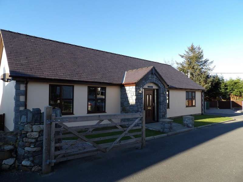 3 Bedrooms Detached Bungalow for rent in Trem Yr Eifl, Rhostryfan, North Wales