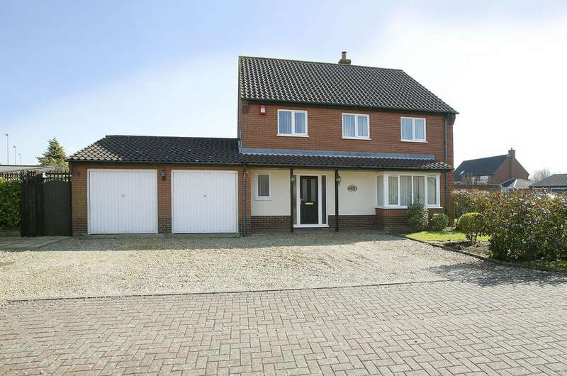 4 Bedrooms Detached House for sale in Greenfields Road, Dereham