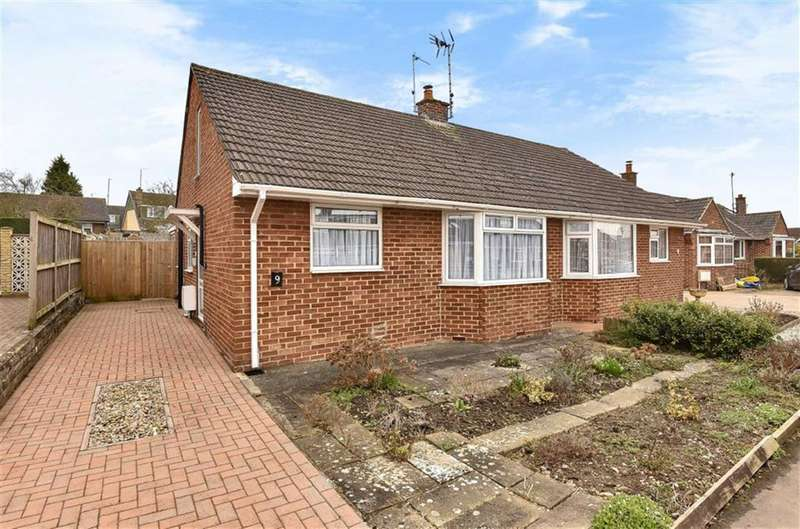 3 Bedrooms Semi Detached House for sale in Wroughton, Wiltshire