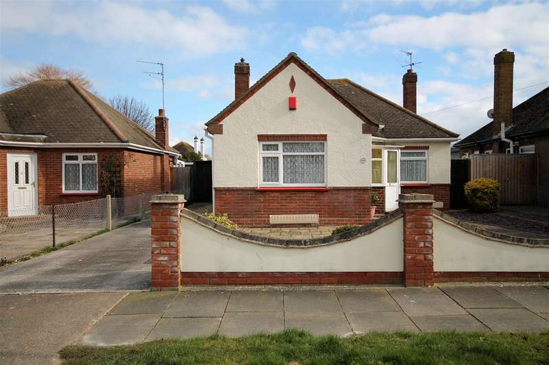 2 Bedrooms Bungalow for sale in Mountview Road, East Clacton