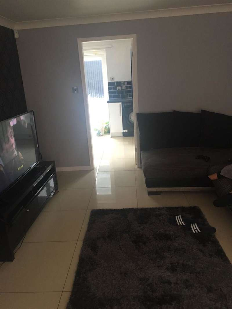3 Bedrooms Semi Detached House for sale in Manorwood Drive, Liverpool
