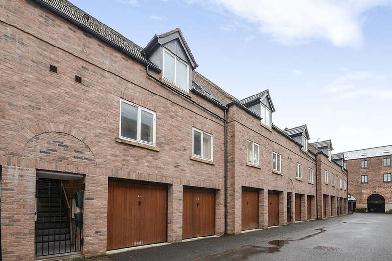 2 Bedrooms Terraced House for sale in Tannery Mews Lawrence Street, York, YO10