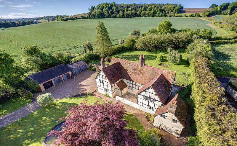 6 Bedrooms Detached House for sale in West Wycombe, High Wycombe, Buckinghamshire, HP14
