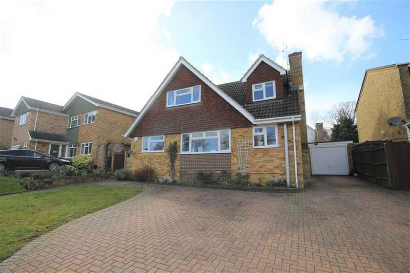 5 Bedrooms Detached House for sale in Copse Avenue, Farnham