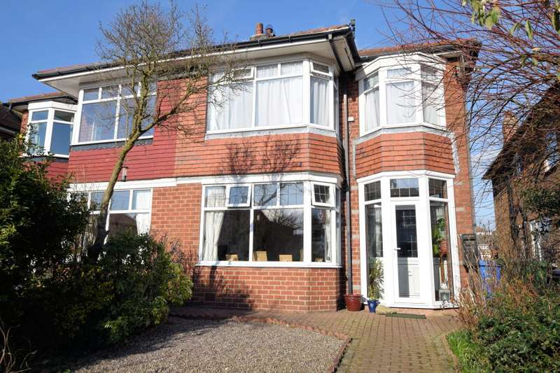 3 Bedrooms Semi Detached House for sale in Cornelian Avenue, Southside, Scarborough, North Yorkshire YO11 3AW