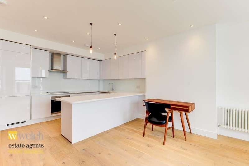 3 Bedrooms Ground Flat for sale in Cavendish House, Marine Parade, Worthing, BN11 3QG