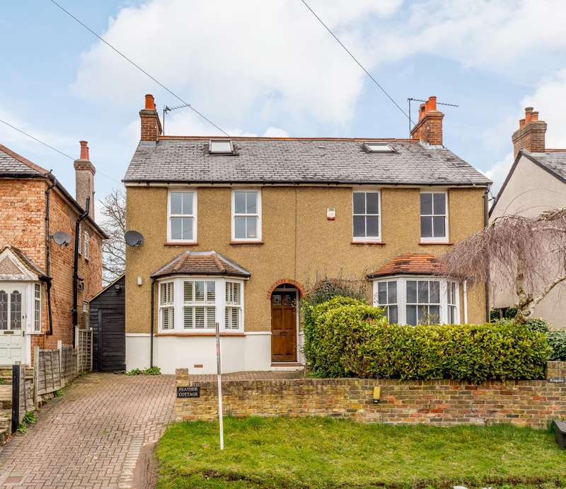 3 Bedrooms Semi Detached House for sale in Gold Hill North, Chalfont St Peter, Gerrards Cross, SL9