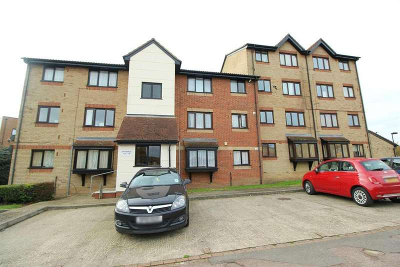 Studio Flat for sale in Magpie Close, Enfield