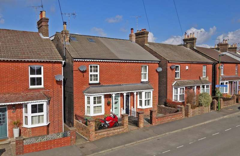 3 Bedrooms House for sale in Burford Road, Horsham, West Sussex, RH13
