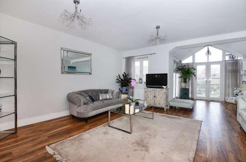 4 Bedrooms Semi Detached House for sale in Sonning Crescent, Bognor Regis, PO21