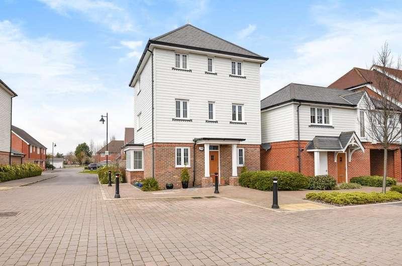 3 Bedrooms Detached House for sale in The Boulevard, Bognor Regis, PO21