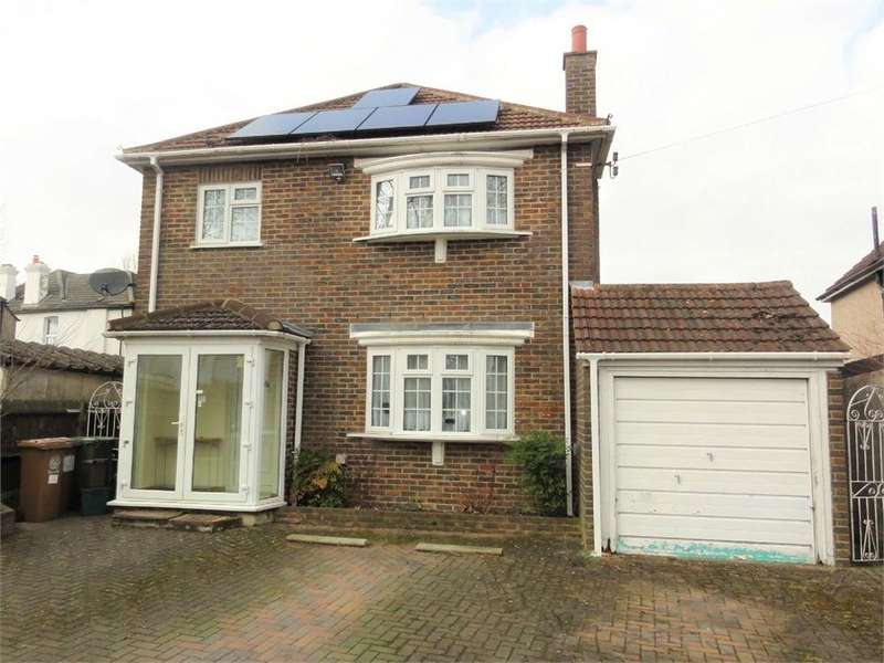 3 Bedrooms Detached House for sale in Hillside Gardens, Wallington, Surrey