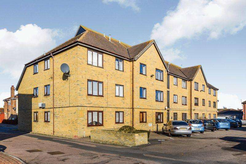 1 Bedroom Apartment Flat for sale in Warwick Road, Clacton-On-Sea