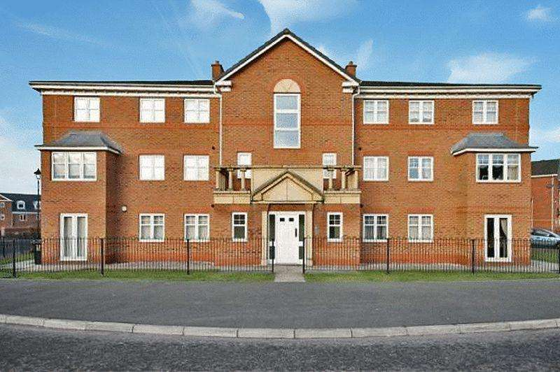 2 Bedrooms Apartment Flat for sale in Upton Rocks Avenue, Widnes