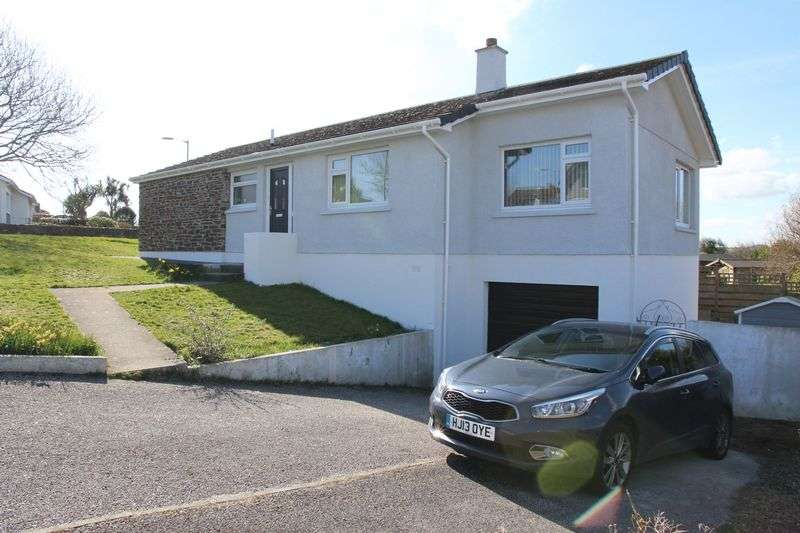 2 Bedrooms Property for sale in Wych Hazel Way, Newquay