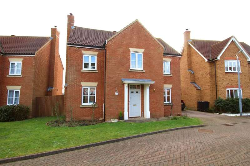 4 Bedrooms Detached House for sale in Ashcraft Close, Marston Moretaine, Bedford, MK43