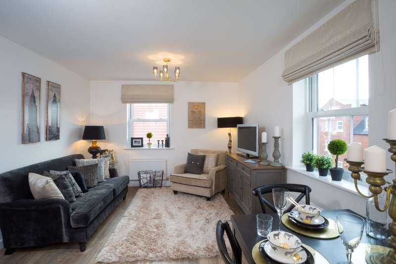2 Bedrooms Flat for sale in The Bury King Alfred Way, Bedford, MK40