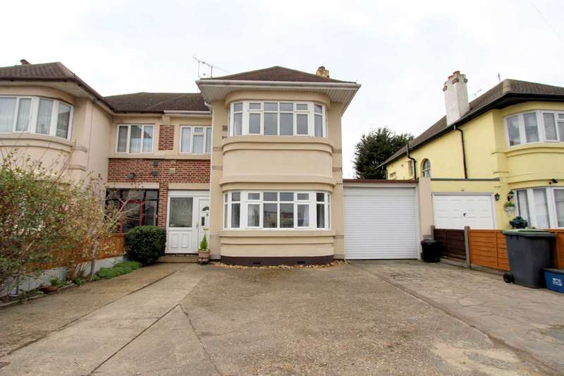 4 Bedrooms Semi Detached House for sale in Prince Ave, Southend On Sea