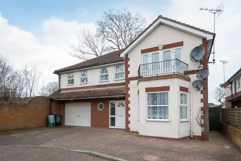 5 Bedrooms Detached House for sale in Crispe Park Close, Birchington