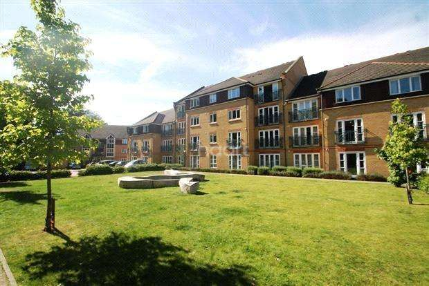 2 Bedrooms Flat for sale in Faraday Road, Guildford, Surrey, GU1