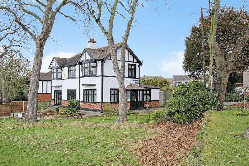 4 Bedrooms Detached House for sale in Fairway, Bexleyheath