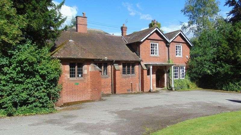 6 Bedrooms Property for sale in Leek Road, Longsdon, Stoke-On-Trent
