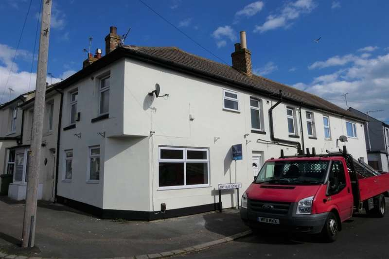 2 Bedrooms Semi Detached House for sale in Sidney Street, Folkestone, CT19