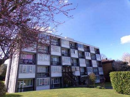 2 Bedrooms Flat for sale in Ashbourne Court, Ashbourne Close, Woodside Park, London