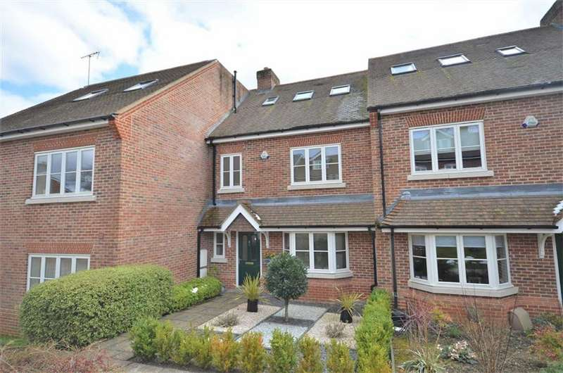 4 Bedrooms Town House for sale in Crownwood Gate, Beavers Road, Farnham
