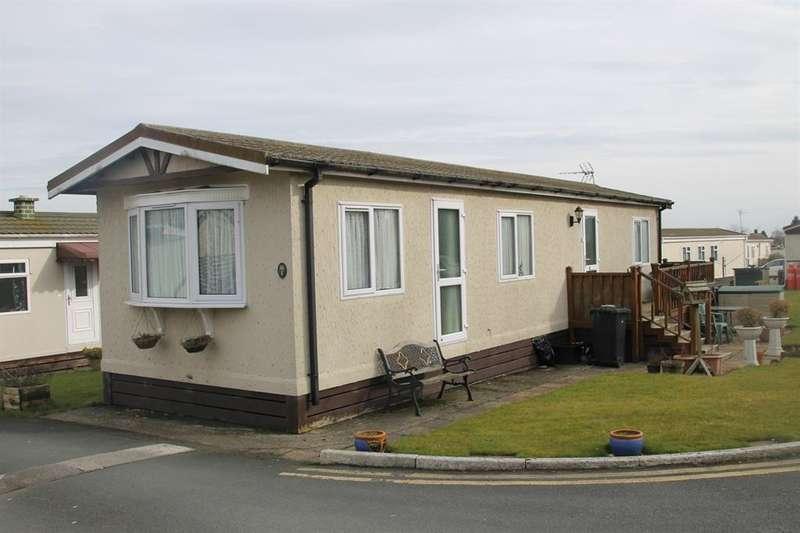 2 Bedrooms Park Home Mobile Home for sale in Shaws Trailer Park, Knaresborough Road, Harrogate, HG2 7NE