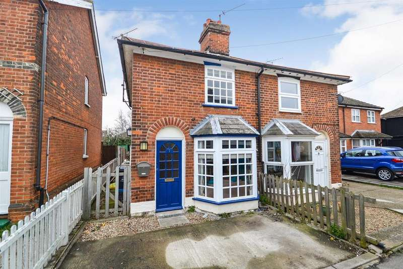 2 Bedrooms Semi Detached House for sale in Lilian Road, Burnham-on-Crouch