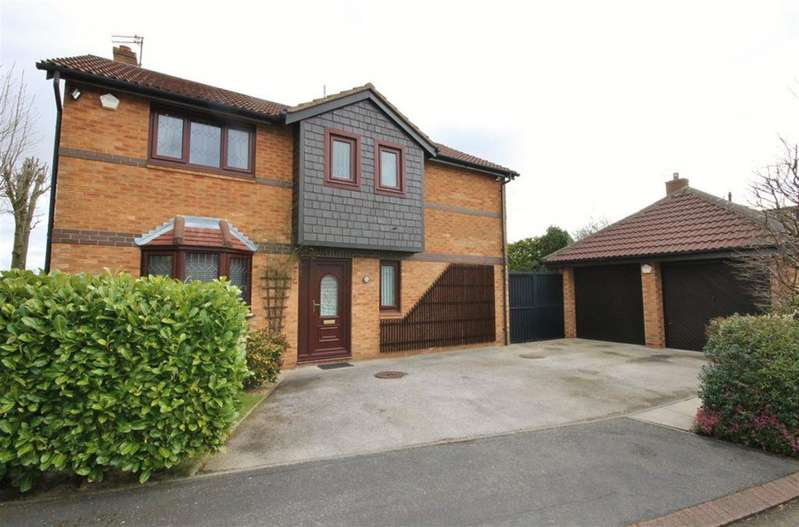 4 Bedrooms Detached House for sale in Newland Close, Widnes, WA8 4HN